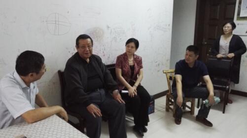 郭俊苹走访慰问省直机关生活困难党员